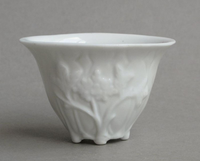 Blanc de Chine peony cup, Shunzhi