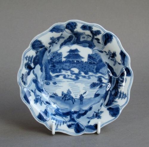 Good quality Chinese saucer, Kangxi