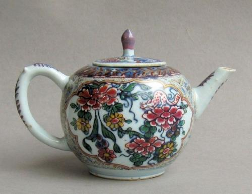 A London-decorated Chinese export teapot