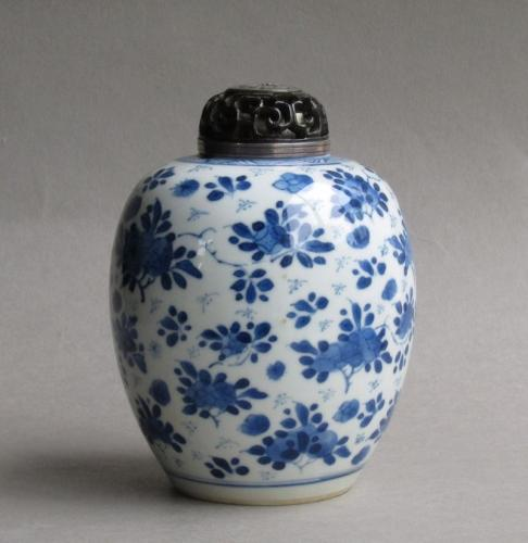 Good Chinese ovoid vase, Kangxi