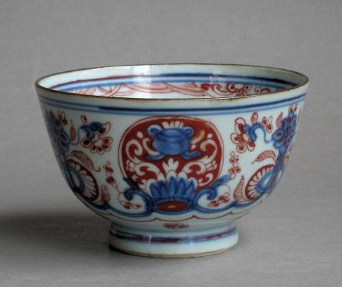 European-decorated Chinese bowl Kangxi