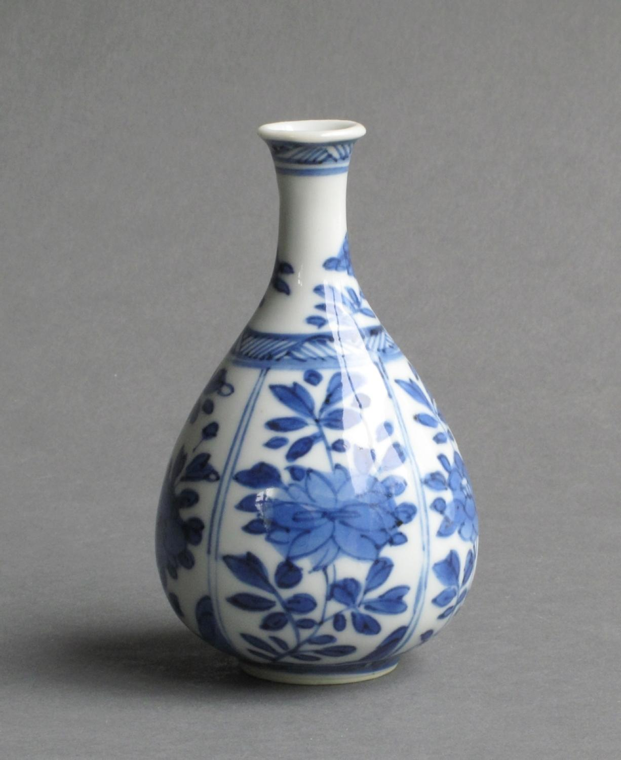Small Chinese pear-shaped vase, Kangxi