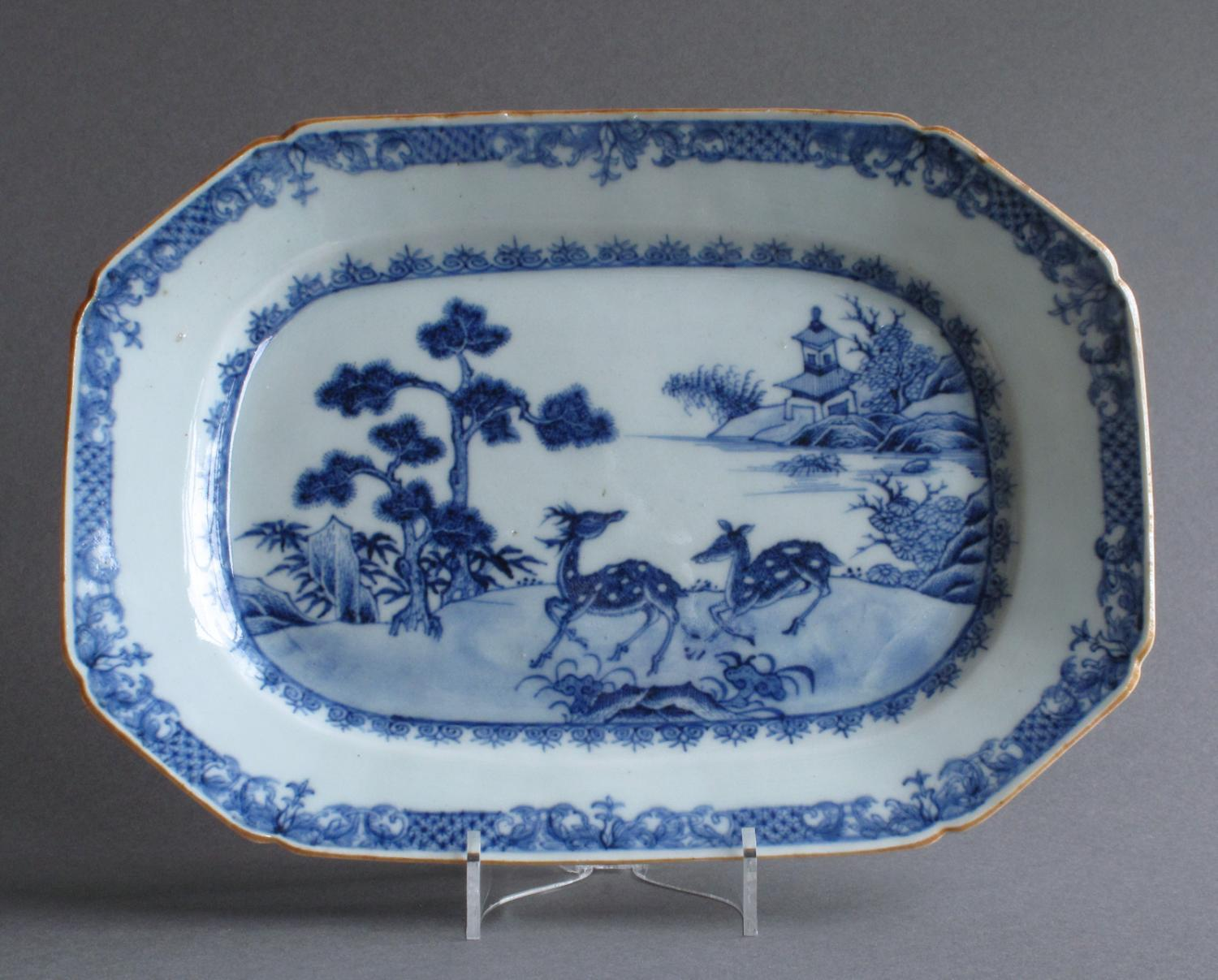 A small Chinese platter with deer, Qianlong