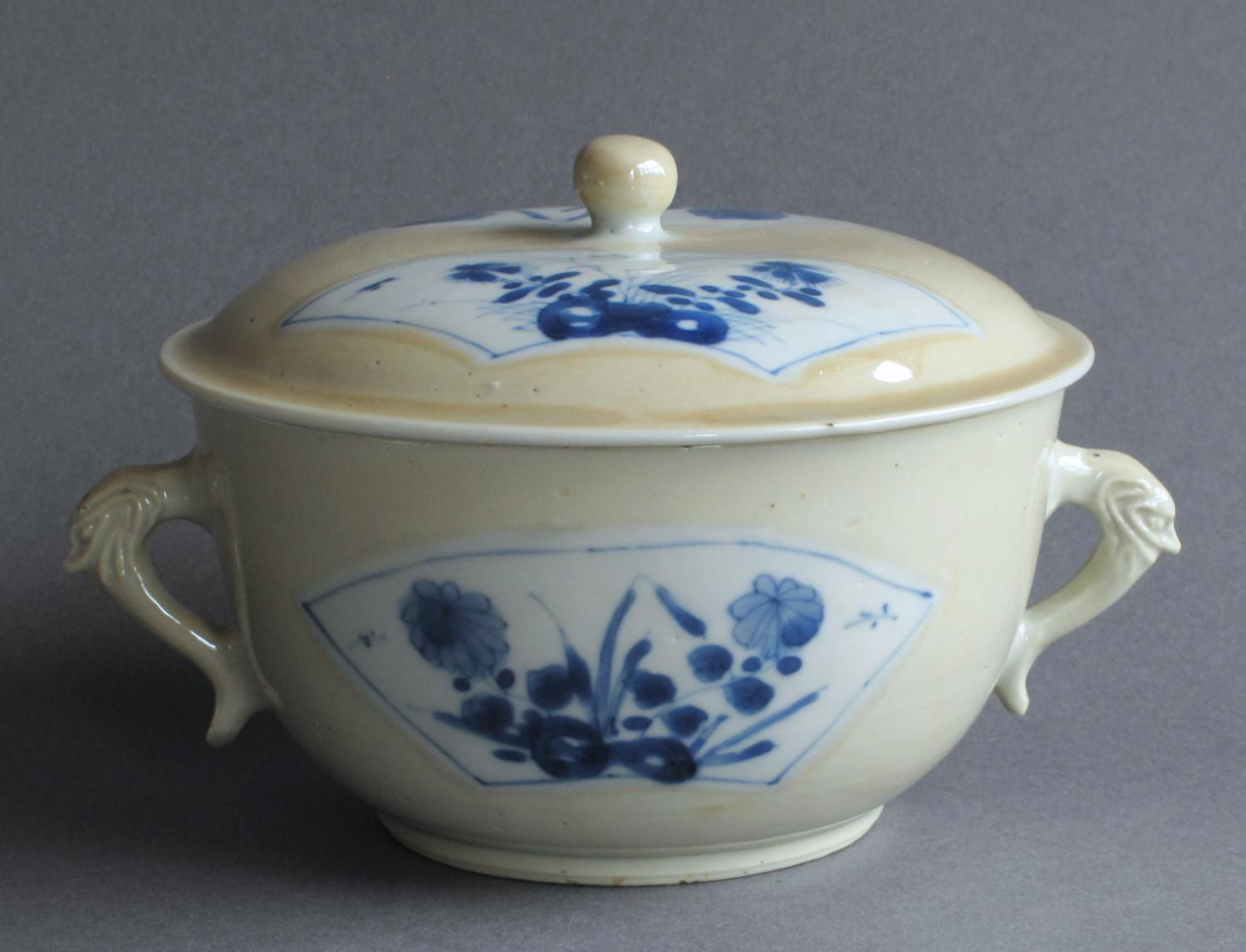 Chinese export tureen & cover Kangxi