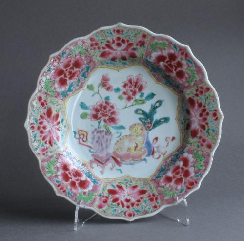 Good Chinese famille rose plate, Yongzheng