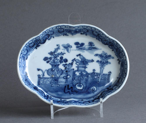 A Chinese export underglaze blue spoon tray, Qianlong