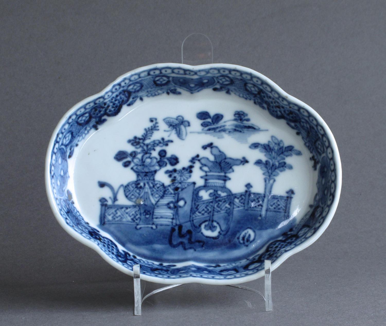 A Chinese export underglaze blue spoon tray, Qianlong