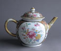 An unusual large Chinese export famille rose teapot - picture 2