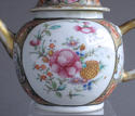 An unusual large Chinese export famille rose teapot - picture 8