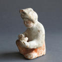 A charming small Tang Dynasty figure of a seated woman - picture 4