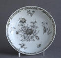 A Chinese export grisaille decorated teabowl and saucer, Qianlong - picture 2