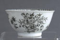 A Chinese export grisaille decorated teabowl and saucer, Qianlong - picture 8