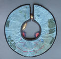 A charming Chinese silk collar for a child, Nineteenth Century - picture 5