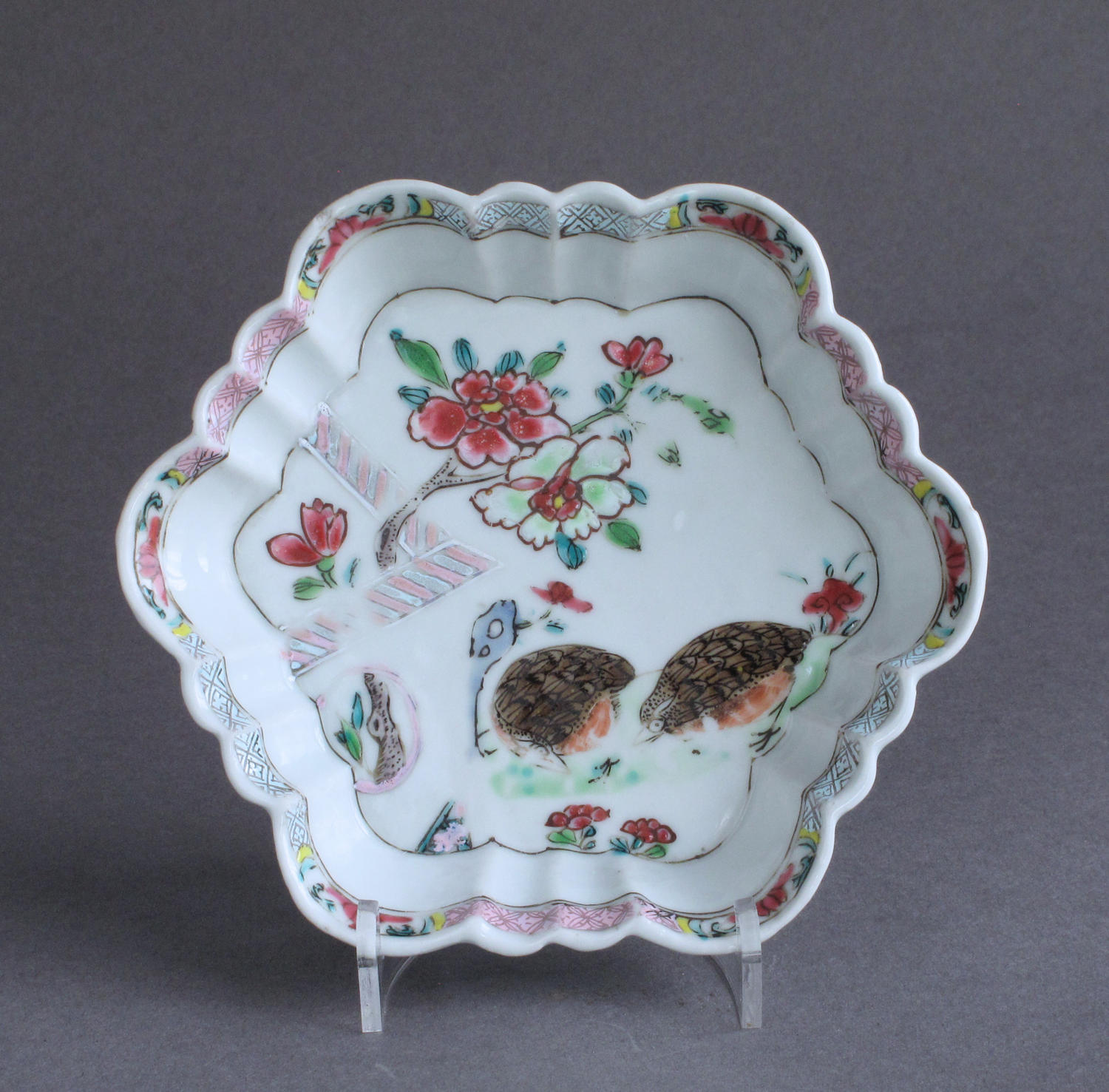 A Chinese famille rose '2 quail' teapot stand, Qianlong