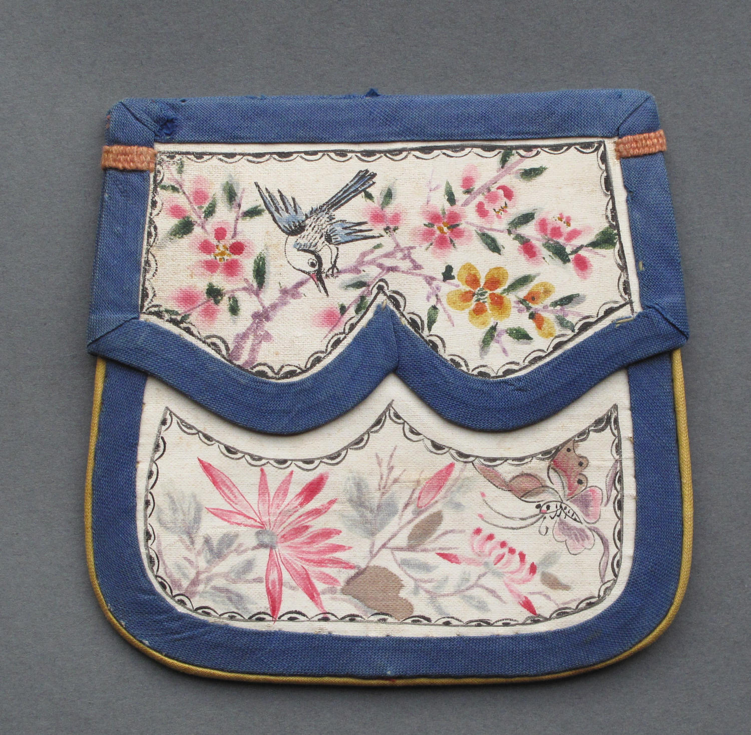 An attractive Chinese silk purse with painted decoration c1900