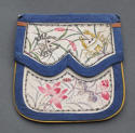 An attractive Chinese silk purse with painted decoration c1900 - picture 2