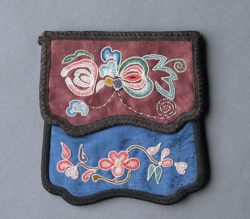 A finely-embroidered Chinese silk square purse, c1910