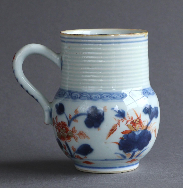 A Chinese Imari mug, Kangxi or Yongzheng