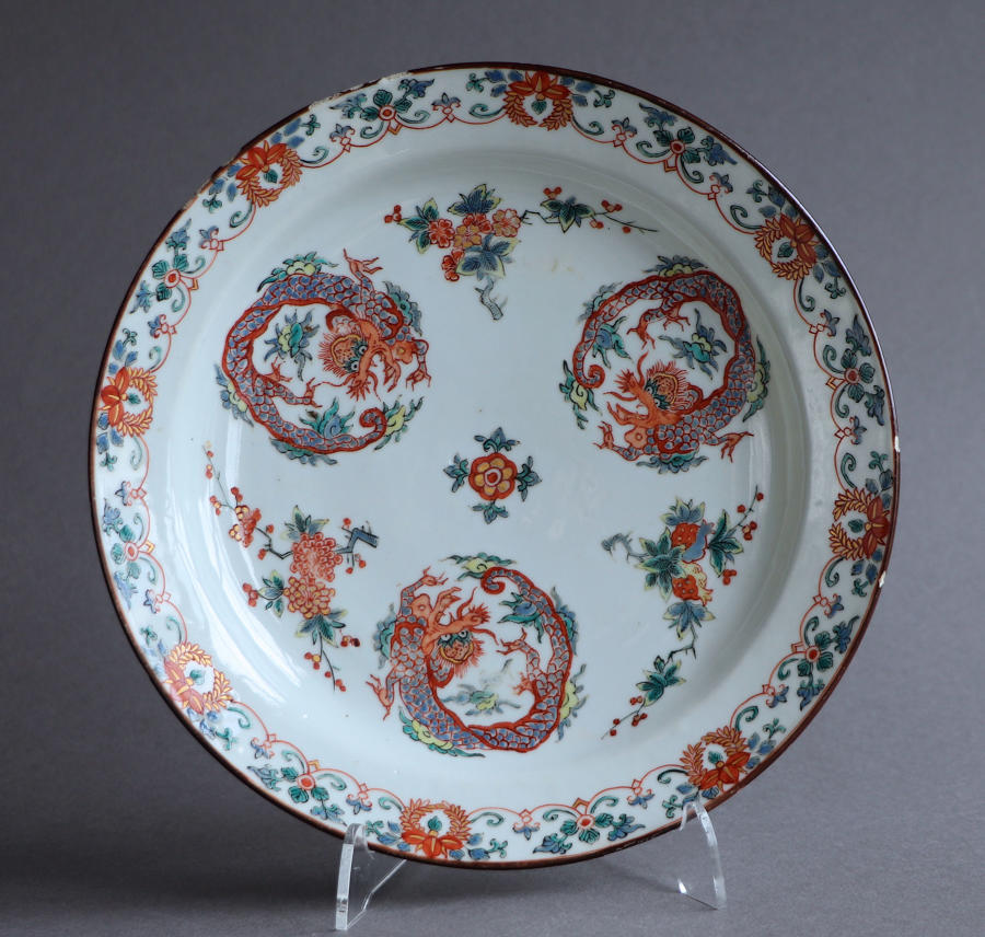 A good Dutch-decorated Chinese plate, Kangxi or Yongzheng
