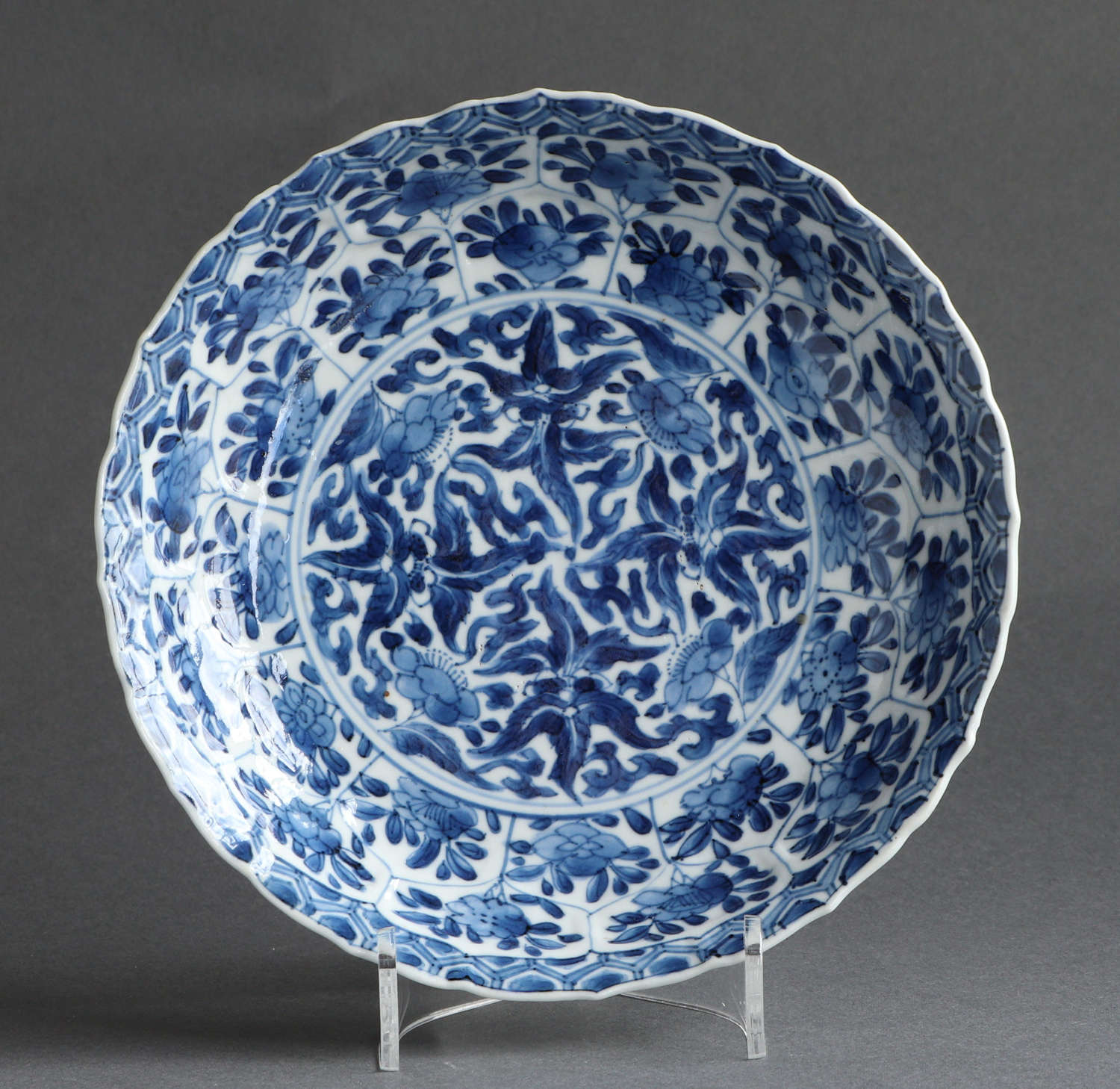 A good quality small Chinese underglaze blue saucer dish, Kangxi (B)
