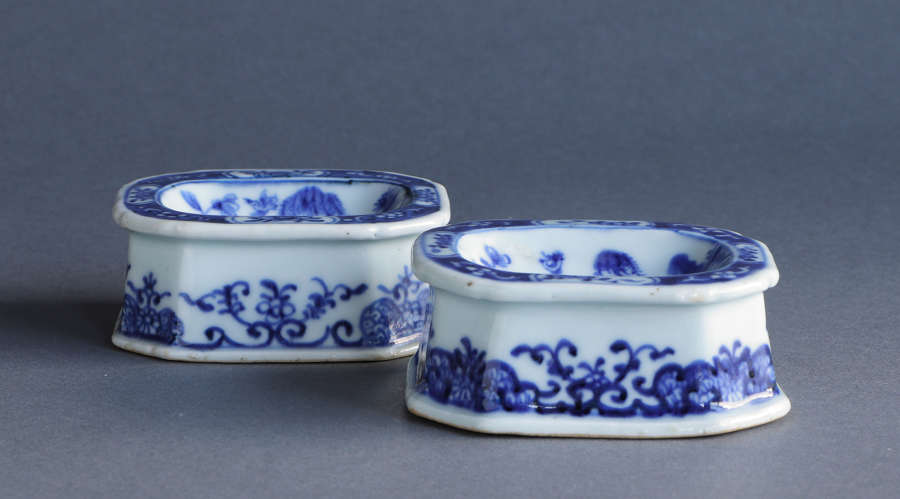 A pair of Chinese export underglaze blue salts, Qianlong