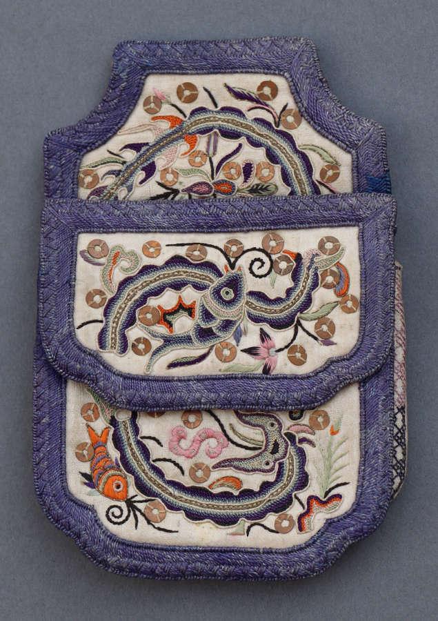 A Chinese silk purse C 1910 in fine Pekinese stitch