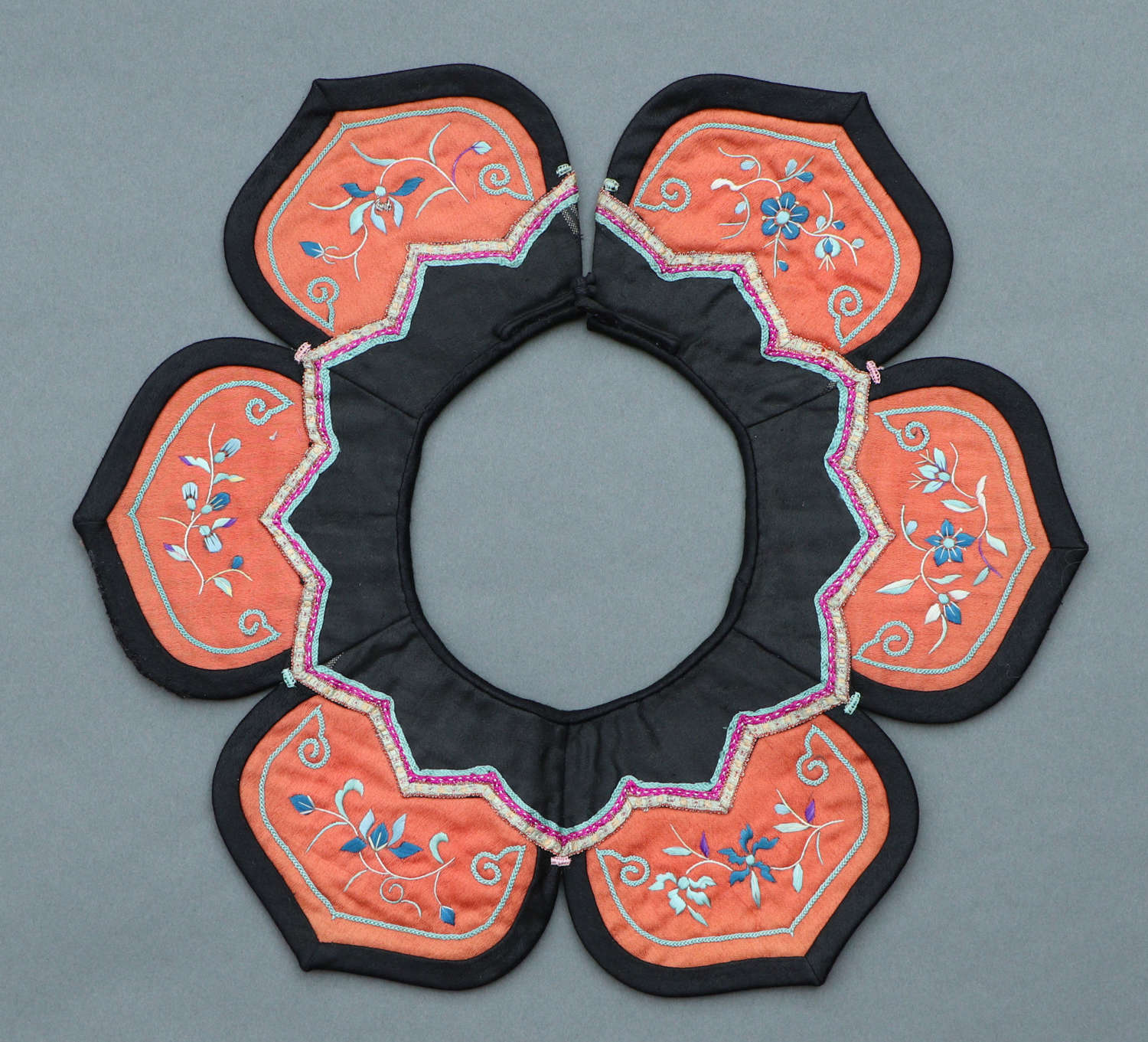 A late 19th century Chinese silk cloud collar