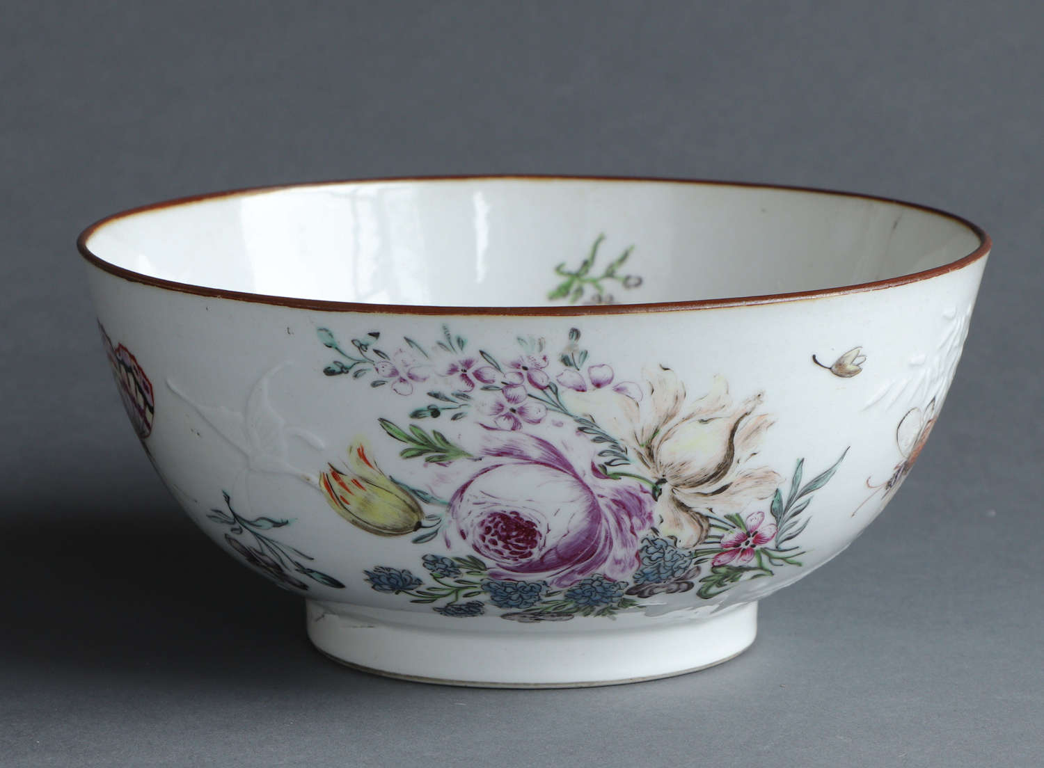 A London decorated soft paste Chinese export bowl, Qianlong