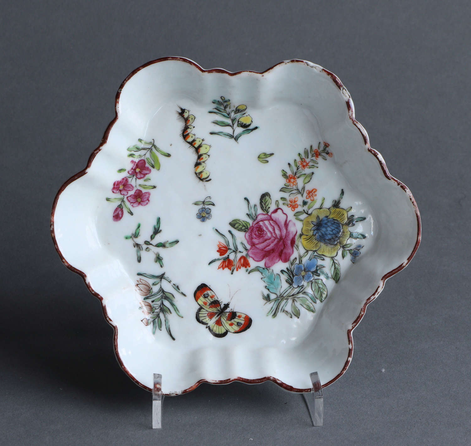 A Chinese export London-decorated teapot stand, Qianlong