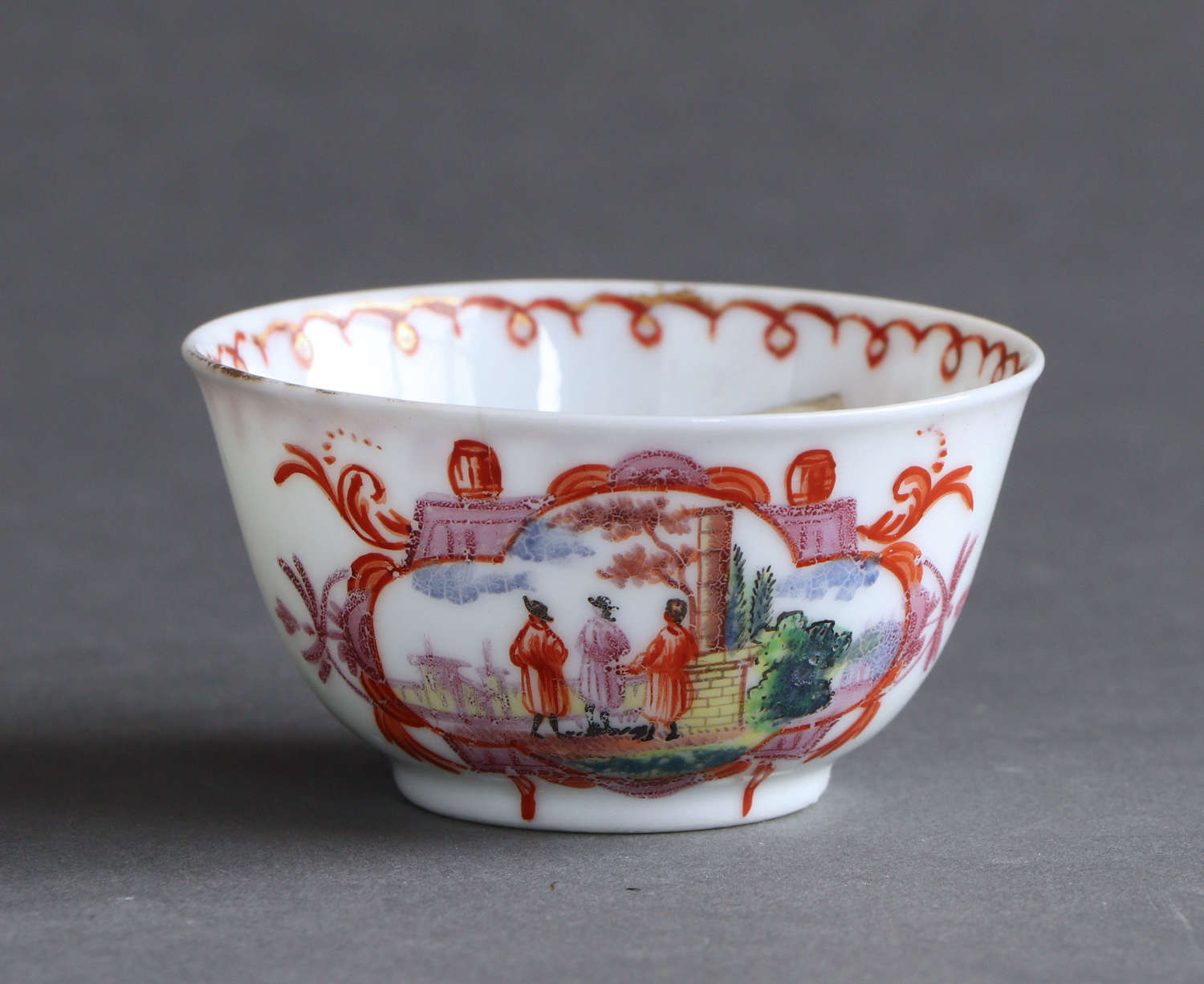 A small Chinese export teabowl in Meissen style, Meissen mark Qianlong